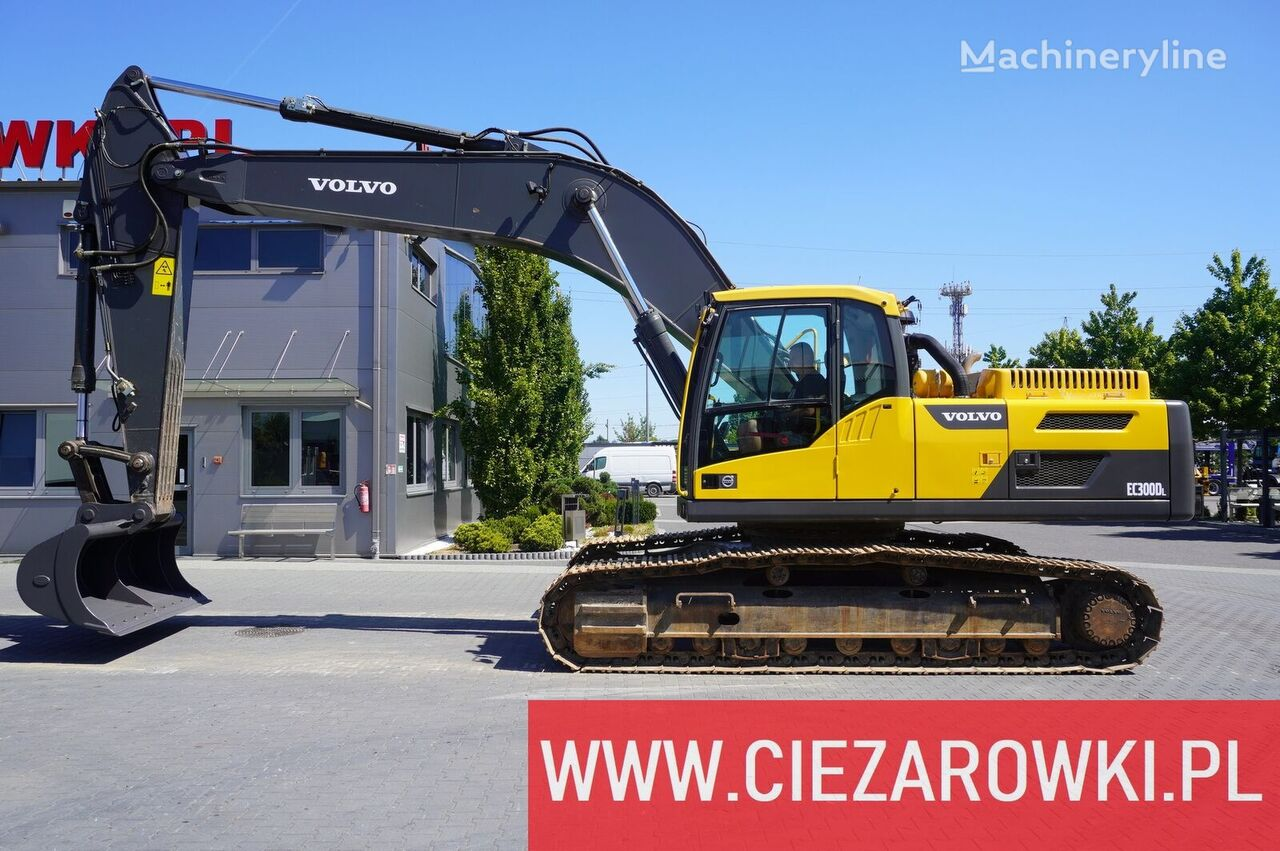 гусеничный экскаватор VOLVO EC 300 DL , 30t , grading bucket , pads 600mm , A/C , camera . P